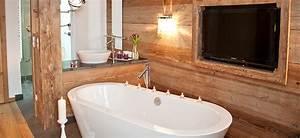 Freistehende Badewanne Mit Whirlpool : maierl chalets exklusive ausstattung mit sauna outdoor whirlpool ~ Bigdaddyawards.com Haus und Dekorationen