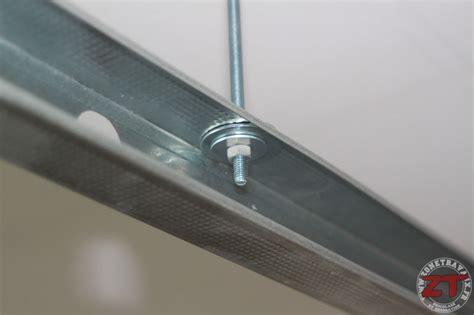hauteur de hotte de cuisine brico création d un faux plafond avec ruban led et spots