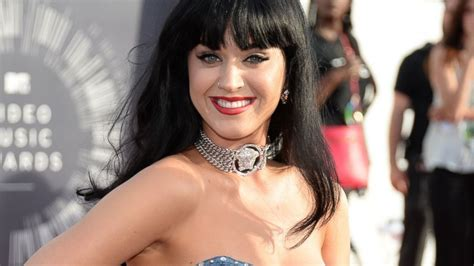 5 Reasons Katy Perry Was The Obvious Choice For Super Bowl