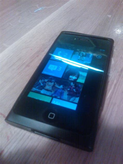 alleged quot nokia lumia 990 quot prototyp windows phone 7 development and hacking