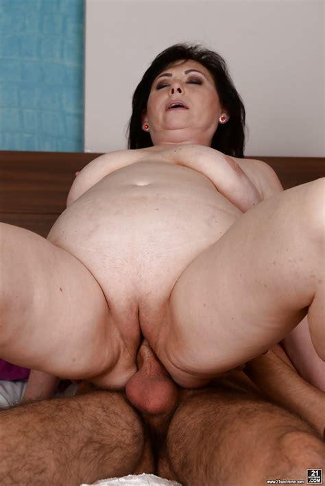 Chubby Granny Tilda Baring Big Tits And Shedding Skirt