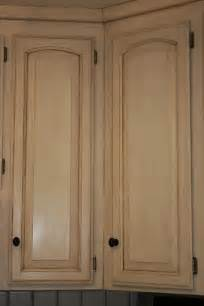 How To Chalk Paint Cabinets how to paint kitchen cabinets with chalk paint