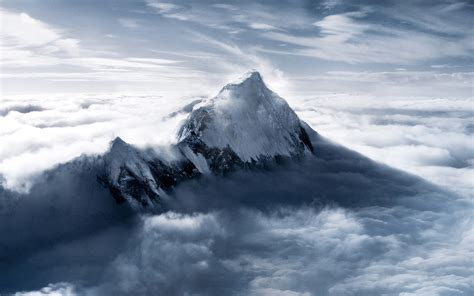 Everest Wallpaper ·①
