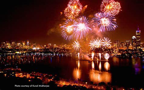 hotels  boston fireworks  july  hotels