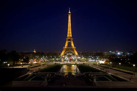 Eiffel Wallpaper by Eiffel Tower Wallpapers Images Photos Pictures Backgrounds
