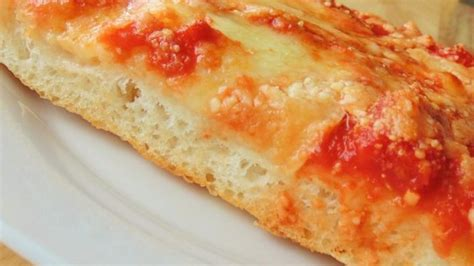 There are just 5 ingredients in this pizza sauce recipe. Bakery-style Pizza