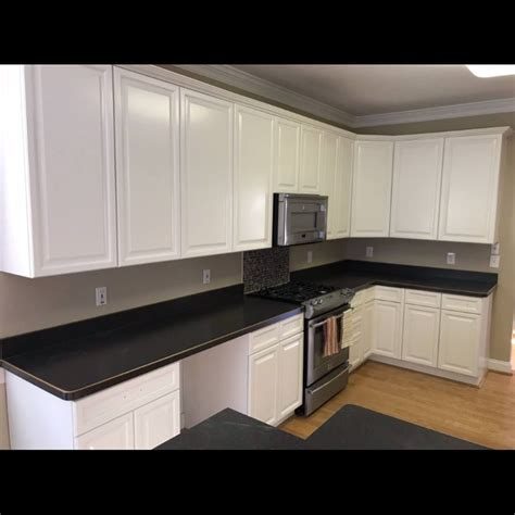 builder grade maple cabinets  white complete cabinet