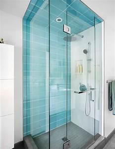 meubles bois massif assortis au parquet et salles de bains With porte de douche coulissante avec carrelage turquoise salle de bain