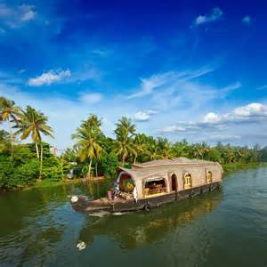 Amazing & Romantic Backwaters in Kerala   Best Holiday Finder