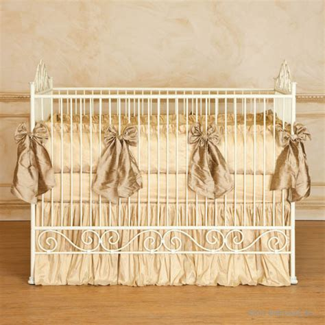 Bratt Decor Crib Satin White by Casablanca Iron Crib In Antique White By Bratt Decor
