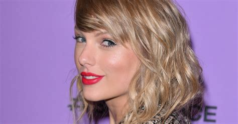 Taylor Swift Shares New 'Fearless' Track,
