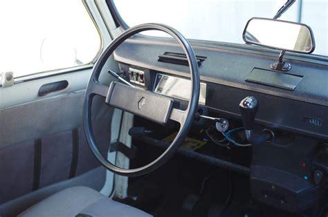 Renault R4 by Renault R4 Alltagseisen