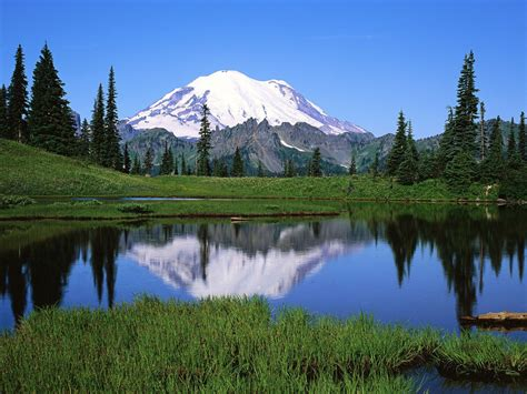 majestic mountain scenery desktop wallpapers  preview