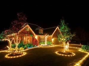Top 46 outdoor christmas lighting ideas illuminate the for Xmas lighting ideas