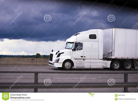 luxury semi trucks cabs 100 luxury semi trucks cabs here is the 500 mile 80