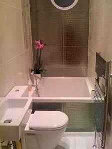 Small square tub with shower in 9 ft section small for Toilet bathroom designs small space