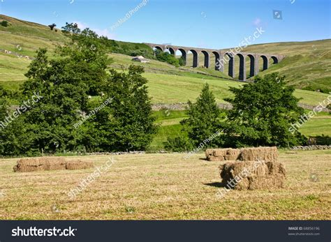 dent head viaduct yorkshire dales stock photo