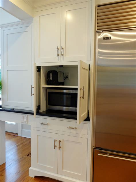 Kitchen Cabinetry Custom Made vs. Custom Manufactured