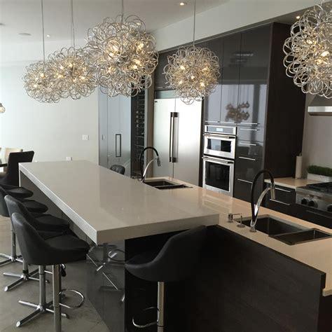 contoire de cuisine comptoir de cuisine en granit avec pattes nuance design