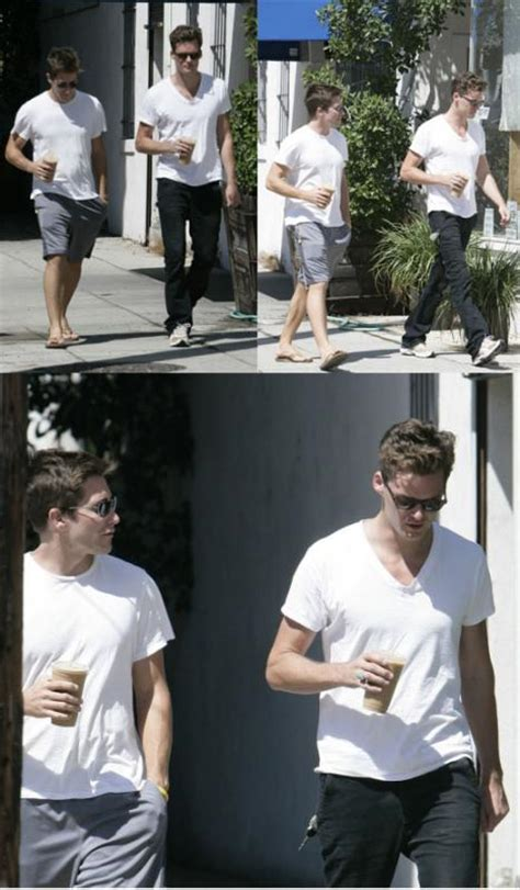 Toothy Tile Grey Goose by Reese Witherspoon Dumped Jake Gyllenhaal She Worried