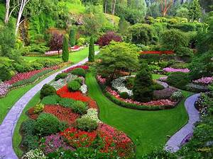 Beautiful gardens azee for Pictures of beautiful garden landscapes