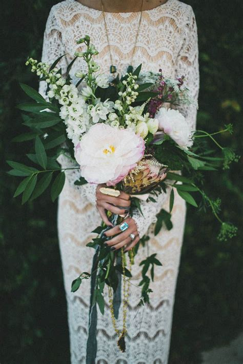 Raspberry and mint bohemian wedding bouquets. 25 Chic Bohemian Wedding Bouquets   Deer Pearl Flowers