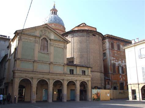la cupola reggio emilia da piazza san prospero