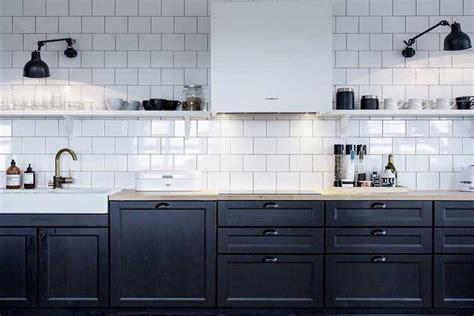 decoration cuisine noir et blanc comment intégrer la couleur noir dans votre déco intérieure