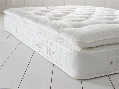 2500 pillow top mattress living it up