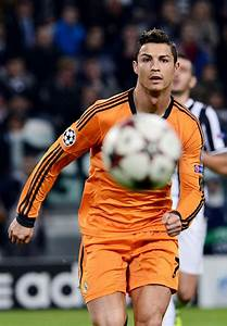 106 best Football player CHRISTIANO RONALDO images on ...
