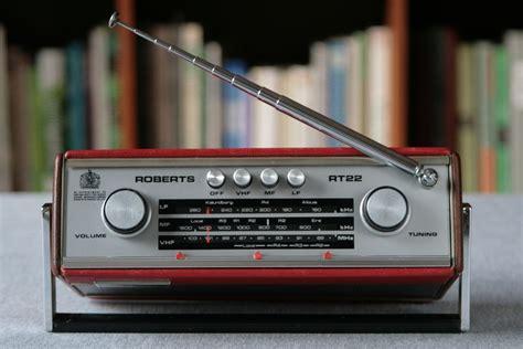 ROBERTS RT22 TRANSISTOR RADIO - Radio Retro