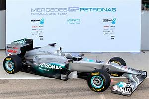 Gp Auto : mercedes benz unveils new silver arrow mgp w02 f1 car ~ Gottalentnigeria.com Avis de Voitures