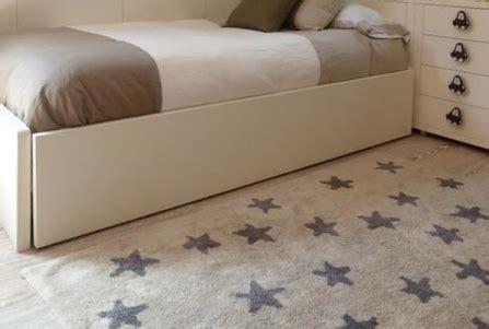 grand tapis chambre grand tapis de chambre 10 idées de décoration intérieure