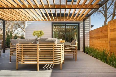 Sonnenschutz Terrasse Holz by Freistehende Alu Pergola Und Holz Lamellen Garden
