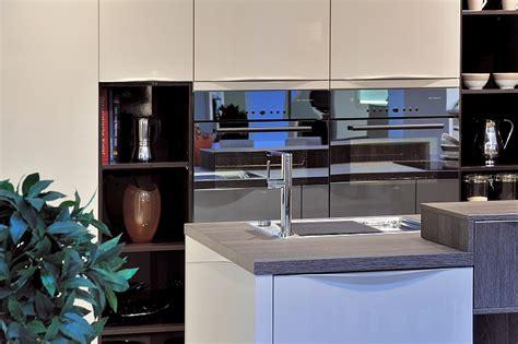Küchenmöbel Und Einbaugeräte Gekonnt Kombinieren