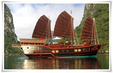 Hong Kong Junk Boat Dinner Cruise by Junk Cruise Cruise 3 Days 2 Nights Halong Bay