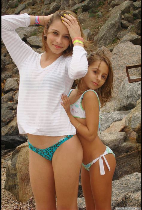 Amateur Horny Teen Chick