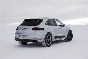 Essai Porsche Macan : premier essai porsche macan gts 2017 motor trend canada ~ Medecine-chirurgie-esthetiques.com Avis de Voitures