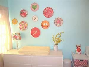 decoration pour la chambre de bebe fille archzinefr With chambre bébé design avec fleur cadeau