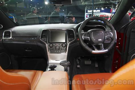 srt jeep 2016 interior jeep grand cherokee srt dashboard at auto expo 2016