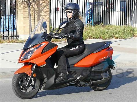 Modification Kymco Downtown 250i by Kymco 300i Downtown Maxi Scooter Review Motorcycle