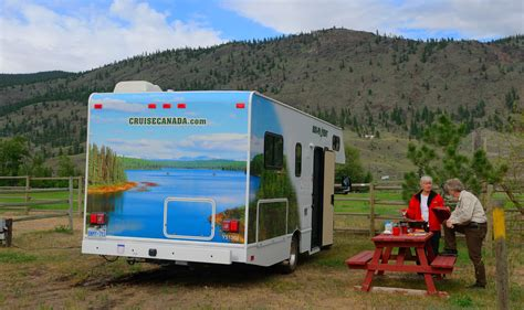 Cruise Canada Compact C19 RV Hire   CanadianAffair.com