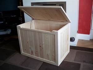 BEAUTIFUL HAND CRAFTED PINE WOODEN TOY BOX, BLANKET BOX