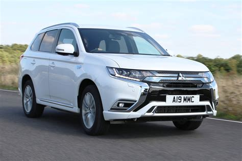 Reviews Of Mitsubishi Outlander new mitsubishi outlander phev review auto express
