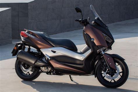Yamaha Xmax Image by Test 2017 Yamaha Xmax 300 Motorscooter