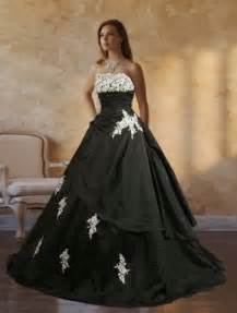 Graduation Table Decorations Uk by The And Sophisticated Touches On Black Wedding Gowns