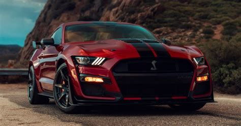 ford debuts 2020 shelby gt500 2020 mustang shelby gt500 debuts in detroit 5 2 litre