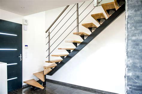 plan chambre salle de bain escalier en acier et rambarde inox