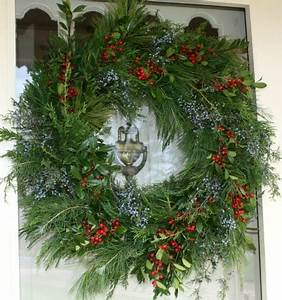 Christmas Ideas Tour – My Front Door Wreath Sweet Pea