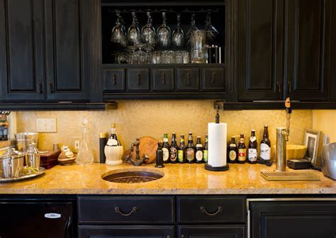 Wet Bar   Traditional   Family Room   New York   by Rikki